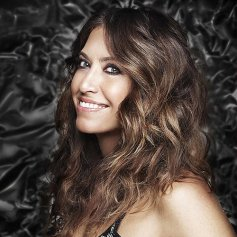 Wende-Zomnir-Urban-Decay-Profile